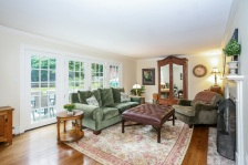 004-Living_Room-2116935-medium