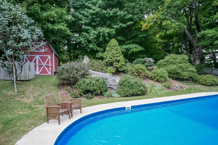 020-Pool-2116920-small