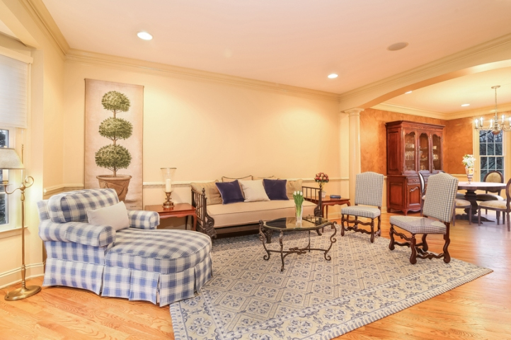 006-living_room_-_staging-3694237-small