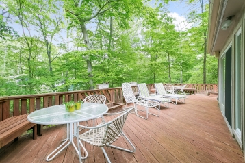 022-Deck_at_4_Mill_lane-2768717-medium