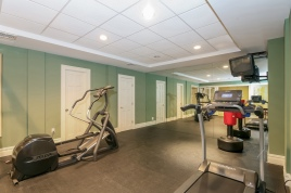 018-Exercise_Room-1916625-medium