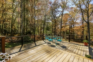 025-Deck_to_Main_House-4994483-medium